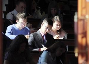 Борьба вузов за обучение иностранных студентов обостряется